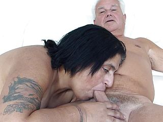 Silver Stallion get Desi Deepthroat Job