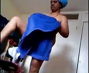 Indian Mommy caught in hiddencam