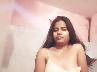 Chennai saiam school tamil female bare demonstrate to her beau (hot)