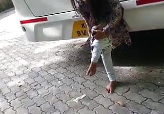 Mallu exhibitionist gal unclothing in public