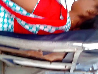 Tamil youthfull married female red hot side look in bus (part 2)