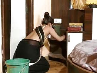 Desi mature aunty toying with condom