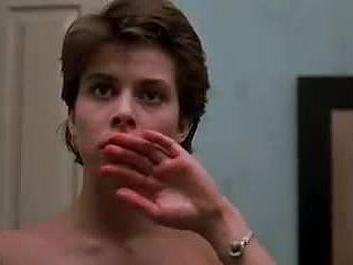 Nastassja Kinski bare Cat People (1982)