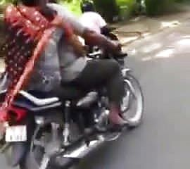 Punjabi aunty providing hand job on bike