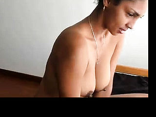Desi Indian Chick Flash breasts on cam